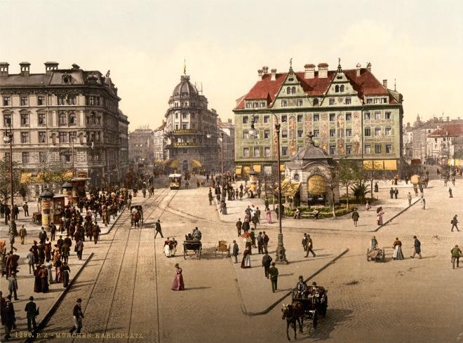 Münchenin Karlsplatz 1800- ja 1900-lukujen vaihteessa. Wikimedia Commons.